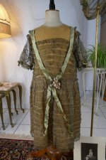 2 antique girls dress 1923