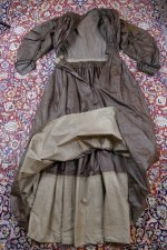 32 antique afternoon dress 1840