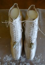 4 antique wedding boots 1818