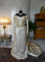 42 antique court dress 188