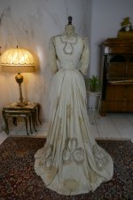 23 antique gown 1904