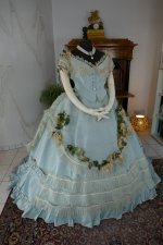 15 aantique victorian ball gown 1859