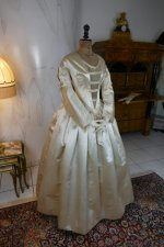 7 antique wedding dress 1845
