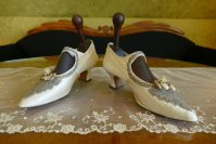 5 antique wedding boots 1906