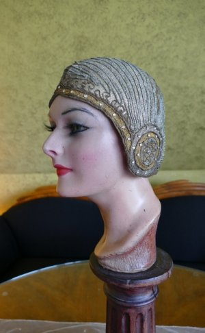 antique cloche 1924