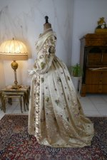 26 antique court dress 1838