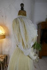 28 antique tea gown 1903