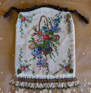 antique-beaded-bag