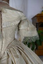 28 antique ball gown 1859
