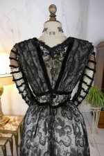 27 antique evening dress 1903