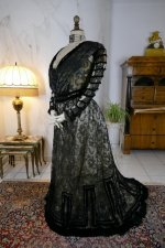 17 antique evening dress 1903