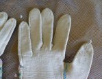 14 antique gloves 1834