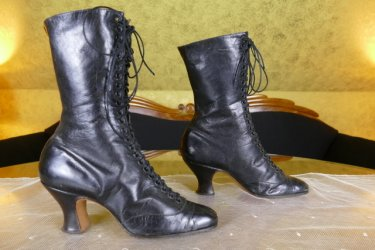 antique boots 1899