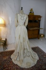 29 antique gown 1904