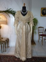 10 antique evening gown Worth 1910