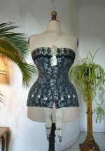 3 antique corset 1895