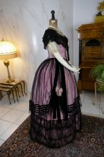 28 antique crinoline ball gown 1855