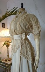 8b antique wedding gown