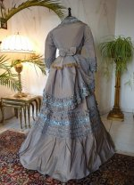 22 antique dress 1877