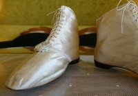 8 antique wedding boots 1818