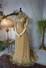 39 antique evening dress 1910