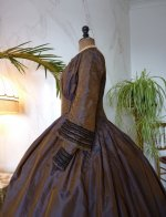 21 antique Gown 1840