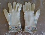 12 antique gloves 1834