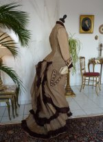 36 antikes Reisekleid 1879