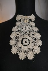 antique jabot 1905