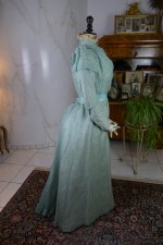 21 antique day dress 1898