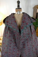 30 antique hooded cape 1790