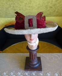 antique hat Titanic Cameron 1912
