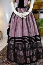 9 antique crinoline ball gown 1855