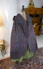29 antique hooded cape 1790