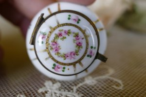 antique little Boudoir jar 1920