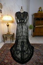 26 antique evening dress 1903