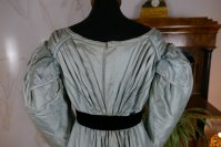 21 antique regency dress 1818