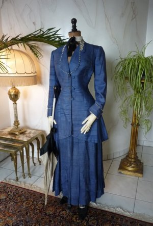 antique walking suit 1907