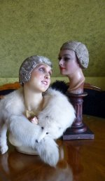 31 antique-cloche