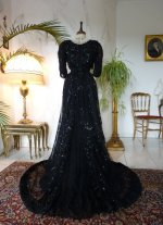 30 antikes Ballkleid 1901