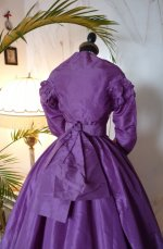 21 antique dress 1865