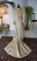 38 antique bridal deess 1895
