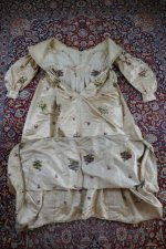 46 antique court dress 1838