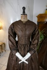 38 antique afternoon dress 1840