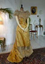 42 robe ancienne 1895