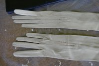 5 antique gloves 1904