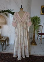33 antique dress 1909