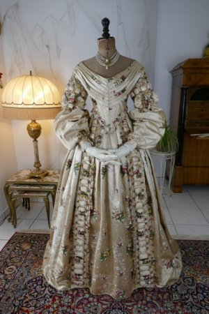 antique court dress 1838