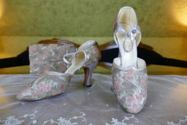 antique flapper shoes 1929