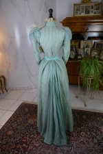 14 antique day dress 1898